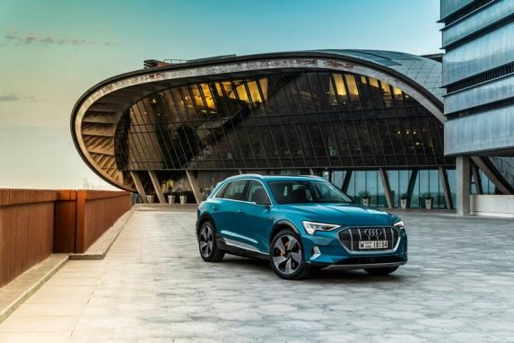 Audi 發表「Q4 Sportback e-tron Concept」概念車,開啟純電車的世代