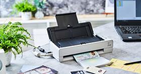 外型小巧,功能全面!Fujitsu fi-800R 高效率自動送紙掃描器,手冊與證件等厚文件也難不倒它!
