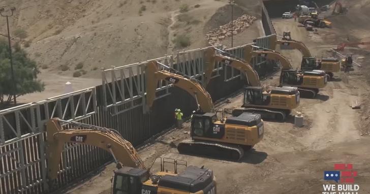 川普前戰略顧問班農被捕,因涉嫌利用「蓋牆」名義籌款詐欺2500萬美元