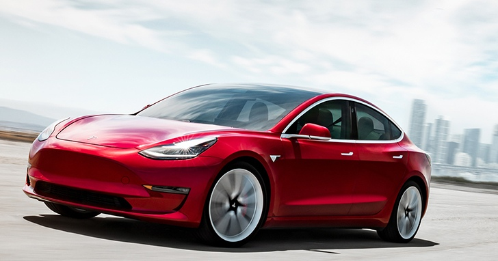 電動車領頭羊 Tesla 不讓其他車廠趁勝追擊,有意推出更平價的掀背車