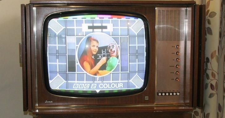英國一個村莊每天早上七點全村都會斷網,工程師查了18個月才發現是台老電視惹的禍