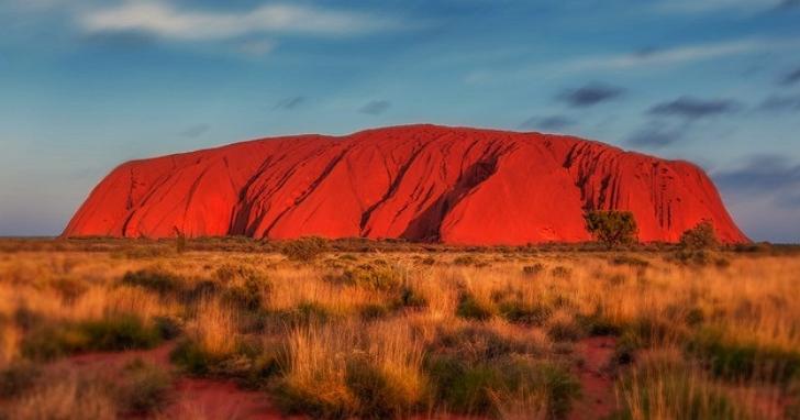澳洲要求Google地圖移除「地球的肚臍」艾爾斯岩頂部照片