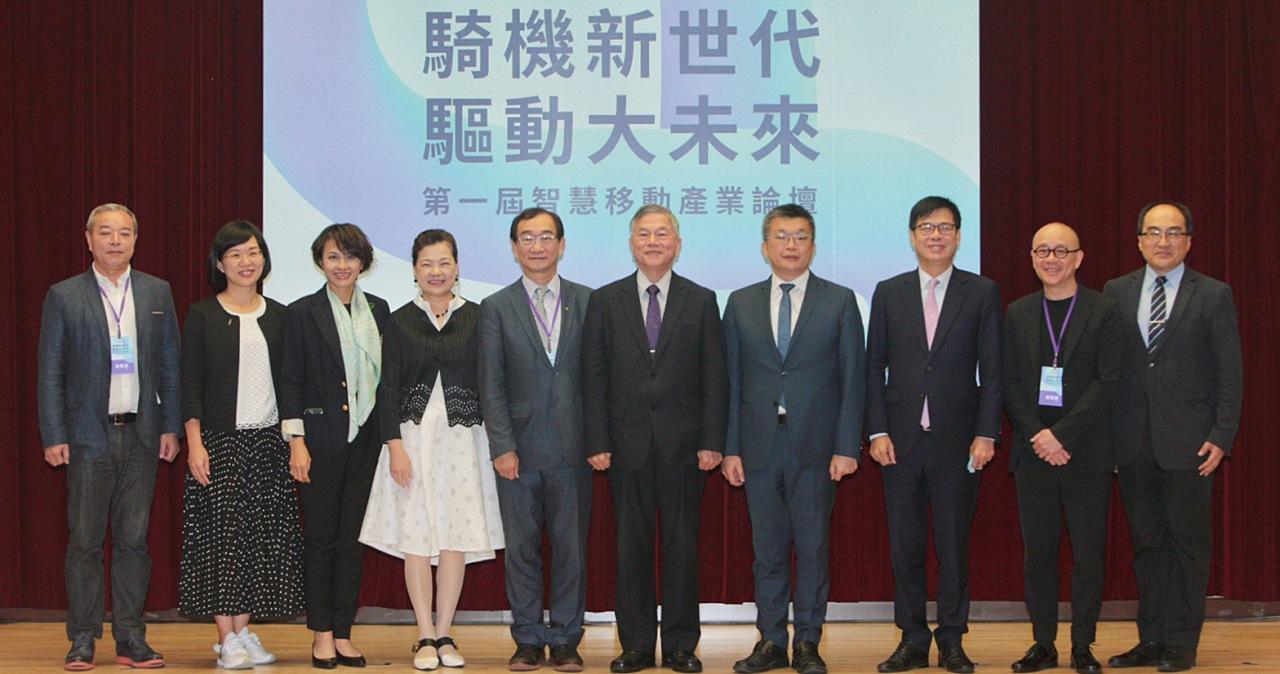 經濟部長王美花預估,國內油車與電動車的「死亡交叉」最快明年就會出現