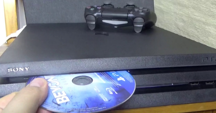 外媒等不及PS5還沒到貨、嘗試把PS5遊戲光碟放進PS4主機,結果悲劇了