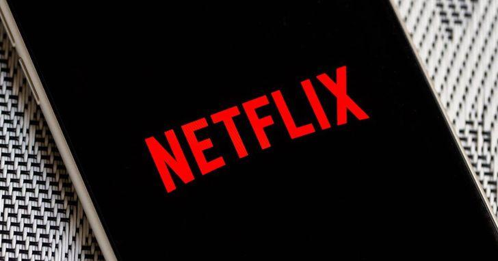 如何在Netflix上加入IMDb、爛番茄評分?