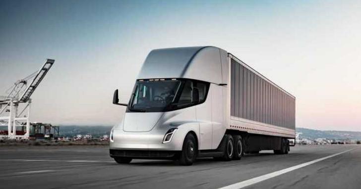 馬斯克:特斯拉電動卡車續航里程將超1000公里