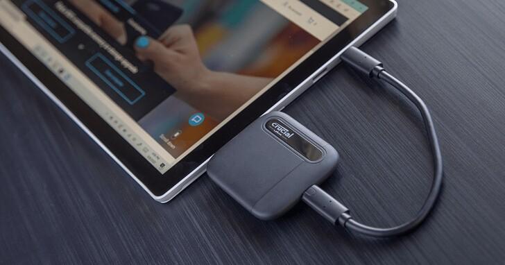 美光推出全新 Crucial X6 SSD 行動硬碟,僅耳機盒大小卻有 2TB 大容量