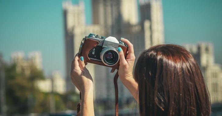 手機上運算攝影功能這麼強,為什麼相機上頭都不用這技術?