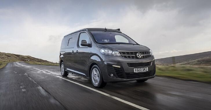 由廂型車改造而來,英國汽車品牌 Vauxhall 推出 Vivaro 掀頂露營車