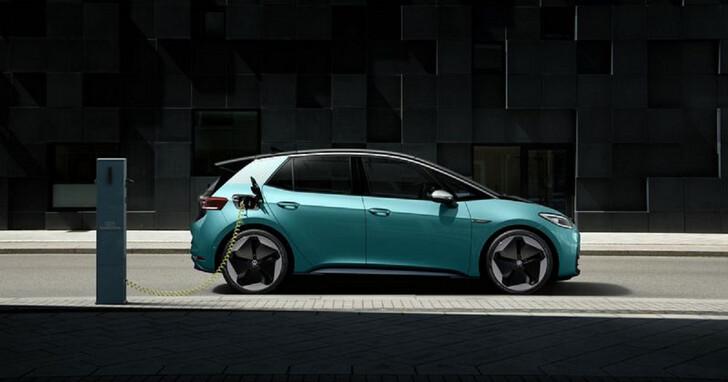 根據調查,高達 9 成消費者滿意電動車體驗,只有 1% 想回歸燃油車