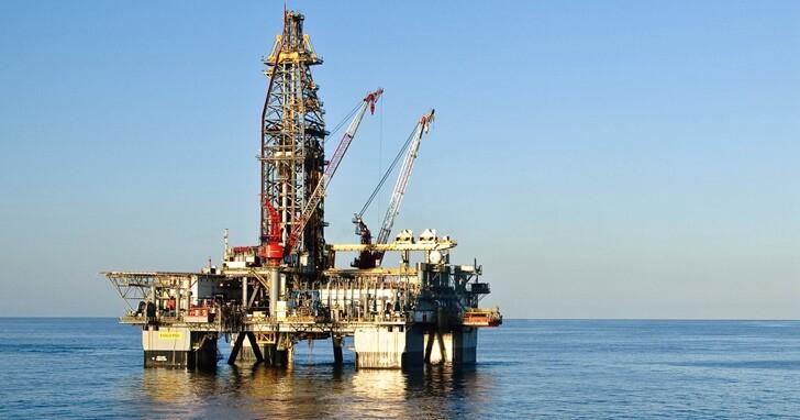SpaceX買下兩座石油鑽井平台,計畫改造成太空飛行器的海上發射平台
