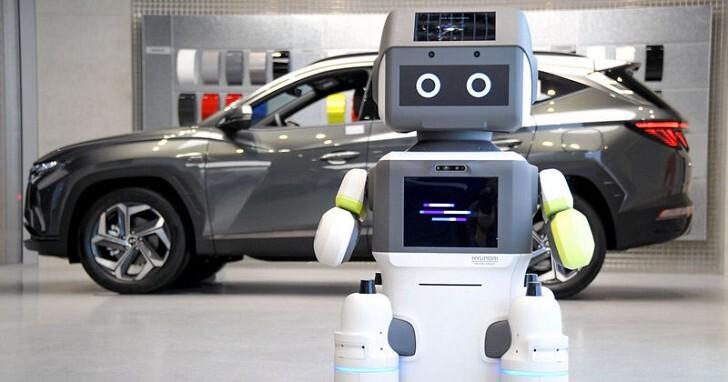 汽車業務靠邊站!Hyundai 把 AI 機器人 DAL-e 帶入展間