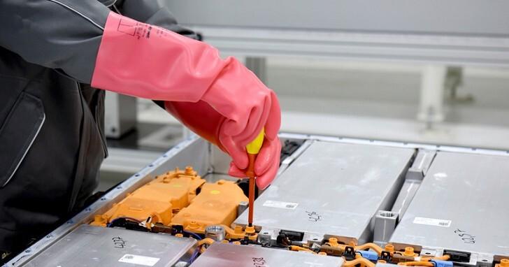 電動車電池不夠環保?Volkswagen的解決之道是「回收」