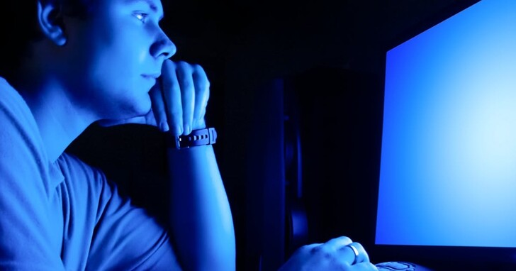 濾藍光,好嗎? 藍光對你注意力在哪些情況下會提升、哪些情況下會干擾?