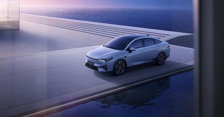 中國小鵬展出 P5 量產電動車,中型房車已有 Level 3.5 自駕能力