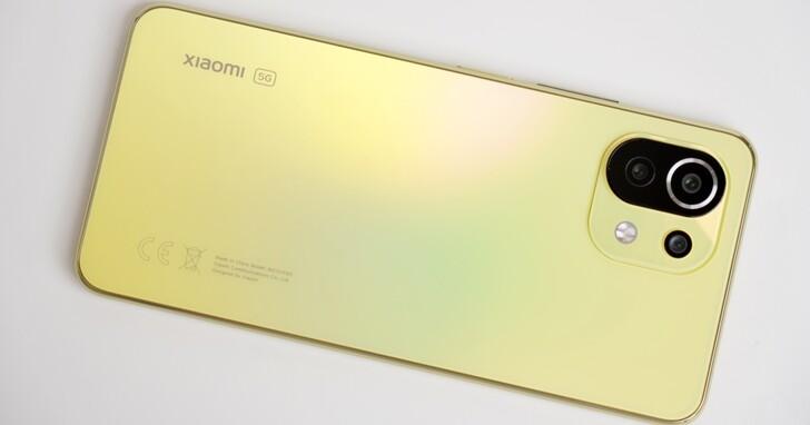 超輕薄 小米 11 Lite 開箱、續航力測試,高CP值 5G 手機價格僅9999元!