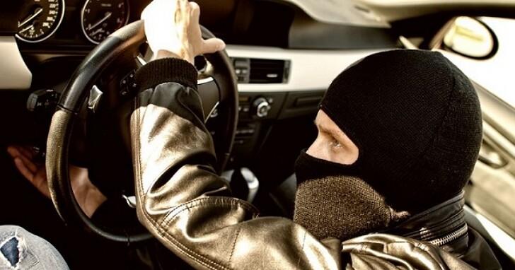 如果駕駛刻意開車去撞人,自動駕駛可以接管制止嗎?目前自動駕駛「倫理」是怎麼設計的?
