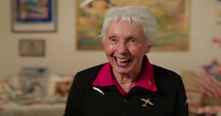 她在60年前本來是NASA女性太空人計畫的一員,現在成為貝佐斯太空首航第四位成員