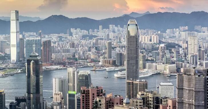香港修法隱私條例「禁止起底」,可能將迫使Google、Facebook、Twitter等科技公司全面撤離香港
