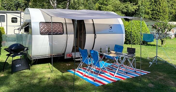 法國 Beauer 做出伸縮式露營拖車,完全展開空間竟有三倍大!