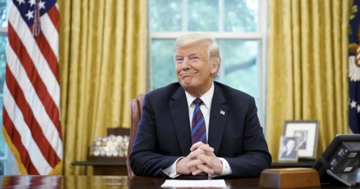川普說當年祖克伯多次約到白宮跟他吃飯「kiss my ass」,下台後就翻臉把他禁言
