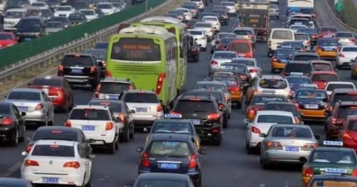 中國電動車主長假返鄉懊悔:是我太天真,開電動車的不配擁有長假