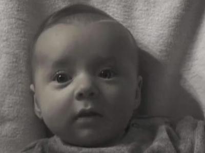 不想錯過孩子的成長!攝影師用 2 分鐘回溯兒女童年