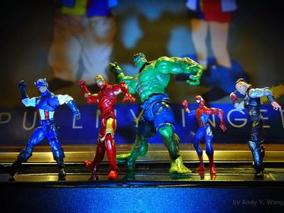復仇者聯盟搞笑篇,不打架的超級英雄也能很可愛!