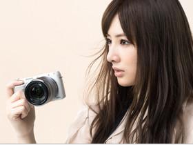 Sony NEX-F3 自拍微單眼發表、E 18-200mm F3.5-5.6 OSS 同步上市