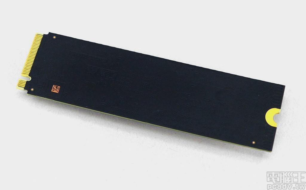這才是黑標該有的表現,寫入突破 2800MB/s 的 WD Black NVMe SSD 1TB