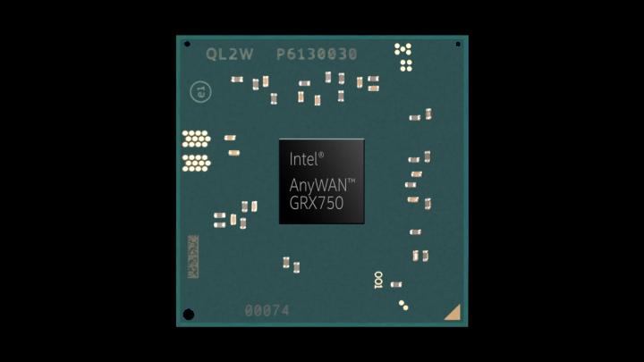 FHCE2732 屬於 Intel AnyWAN GRX750 網路處理器家族,該家族還有 1 款時脈更高的 FHCE2733