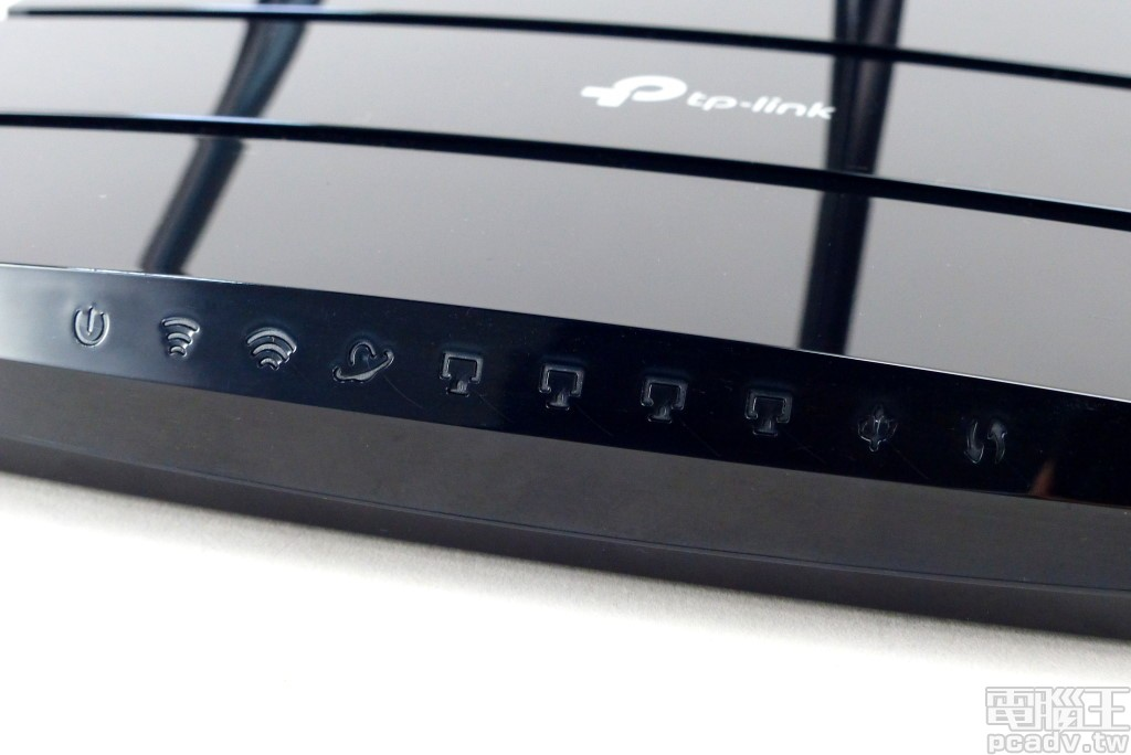 Archer A9 v6 每個傳輸介面均有相對應的 LED 指示燈,相對應的發光圖示可讓使用者快速掌握該介面使用情形