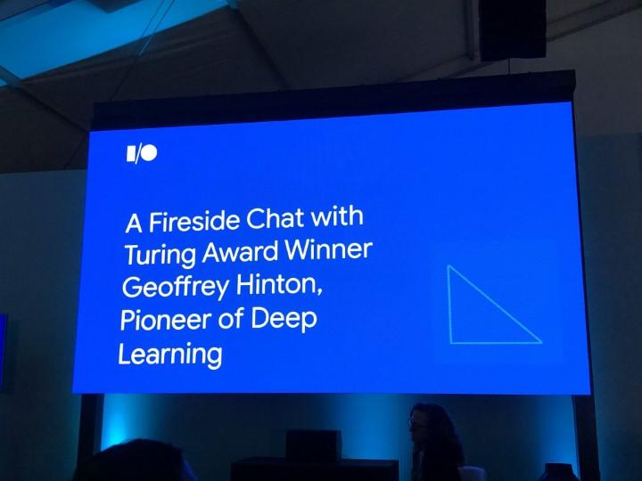 傑佛瑞·辛頓亮相Google I/O。圖片來源:GeePark