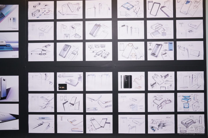 ZenFone 6 定稿之前曾經過多番討論,從機身外型、特殊的機械結構�,華碩都嘗試著去開發。 ▲ 以水滴或瀏海螢幕開發為例,華碩也試做過多種模型。