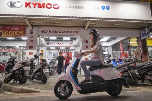 KYMCO Ionex電動車試乘活動盛大開跑,即日起至6月30日享多重好禮購車再折$3,000元,加碼再抽高級餐廳禮券!