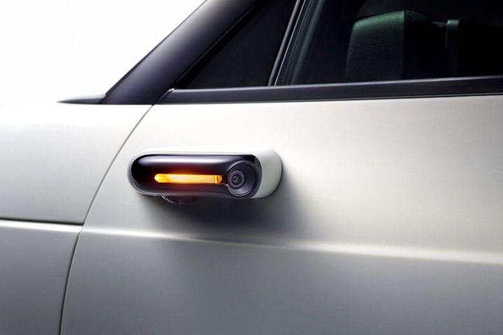本田Honda E �載了虛擬後視鏡。