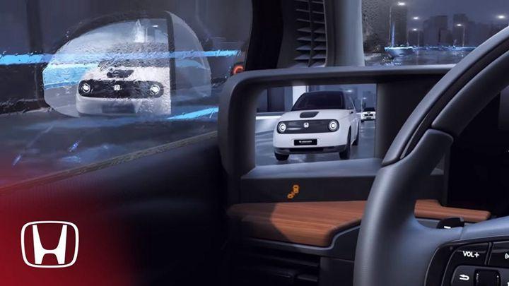 Honda E 後視鏡螢幕在�控台兩側。圖片來源: Digital Trends