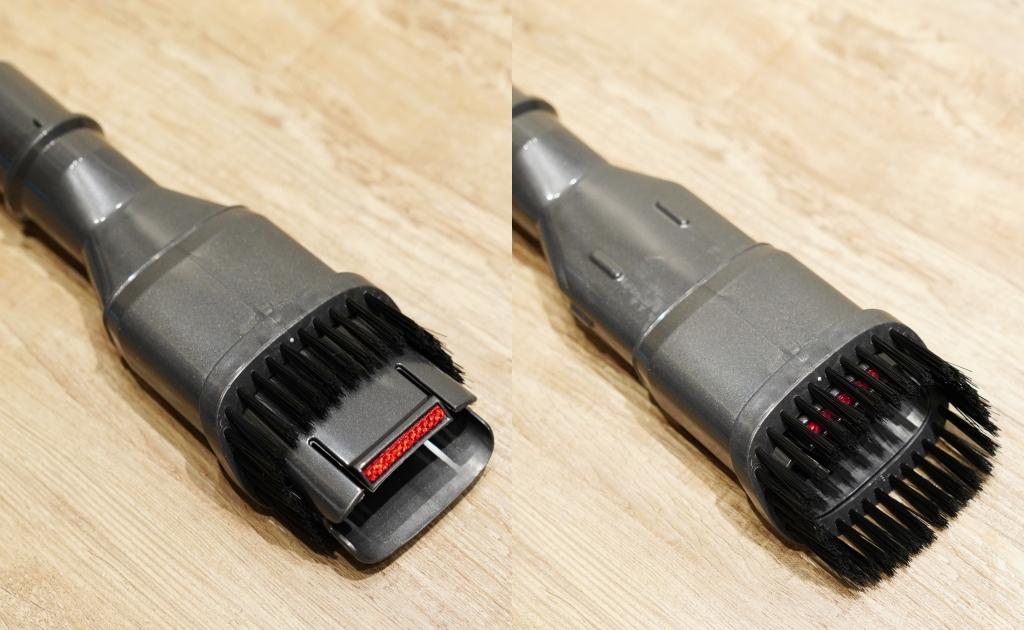 左為二合一毛刷吸頭收納時,可以直接吸較大的灰塵,右為二合一毛刷吸頭展開的樣子。