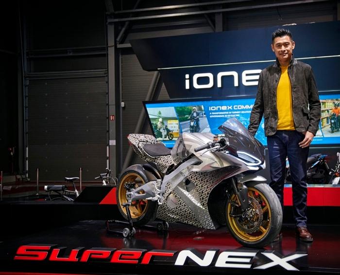 KYMCO於捷克電動車展首次讓SuperNEX、RevoNEX 同台亮相