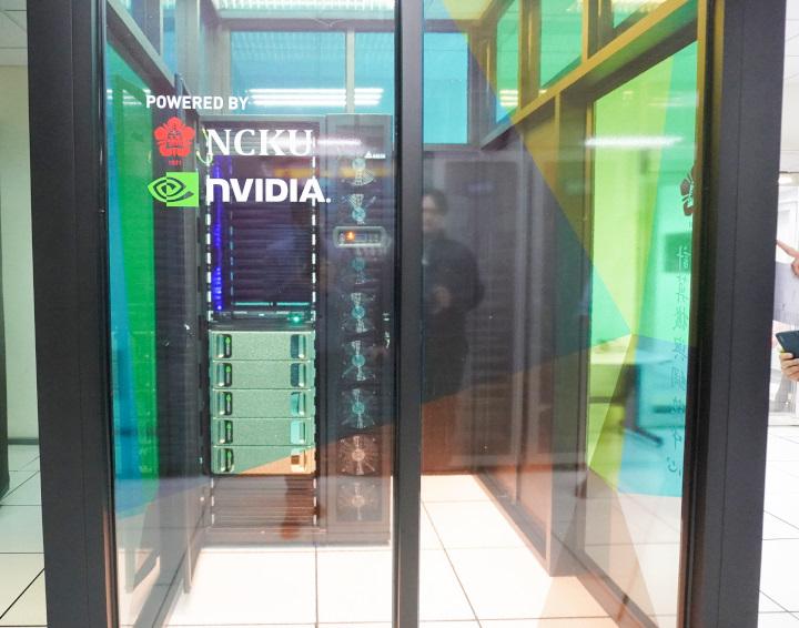 成功大學與NVIDIA共同以6台DGX-1打造的超級電腦,成為全台AI學術研究領域效能之首。