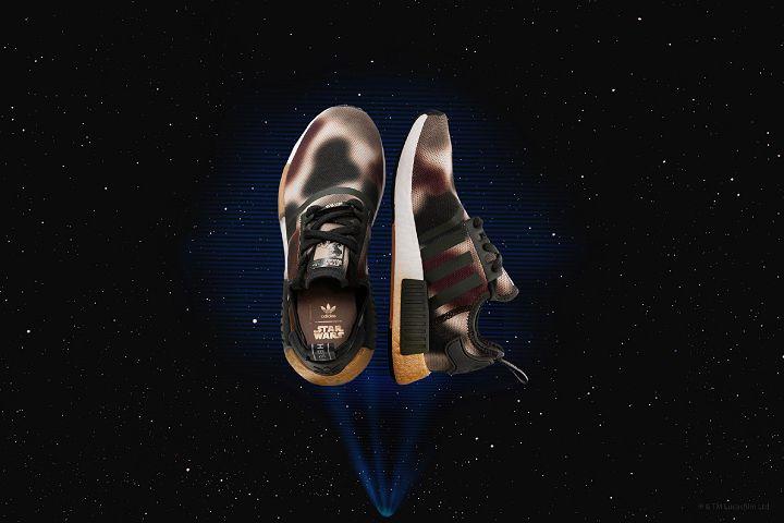 女性 NMD 鞋型選擇向莉亞公主於恩多戰役(Battle of Endor)中所穿的迷彩戰服致敬。(建議售價:5,490元)