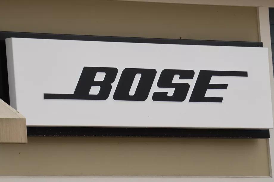 抵擋不了網路購物衝擊,耳機大廠 BOSE 決定關閉全球上百間實體店