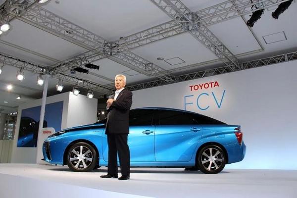 豐田汽車公司在2015年推出的氫能源汽車。圖/Wikipedia