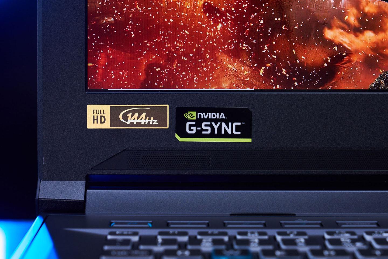 顯示器提供 144 Hz 刷新率,並支援 G-SYNC 功能。