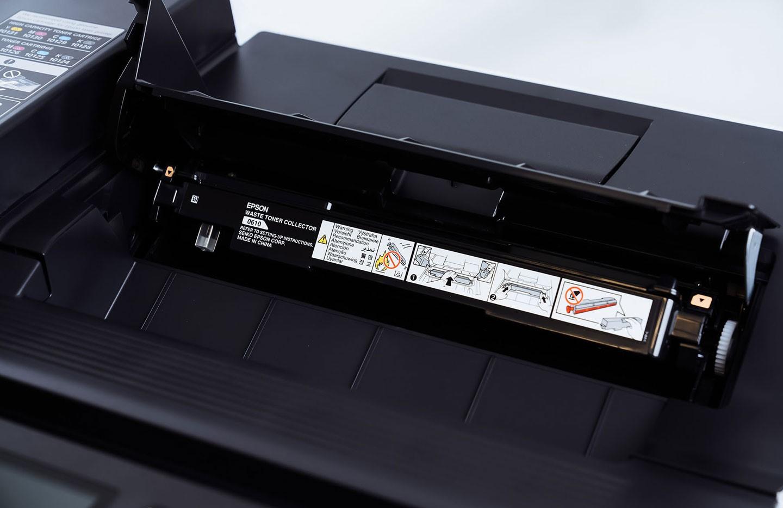 除了四色碳粉,碳粉收集盒也是需要定期替換的一項零件。