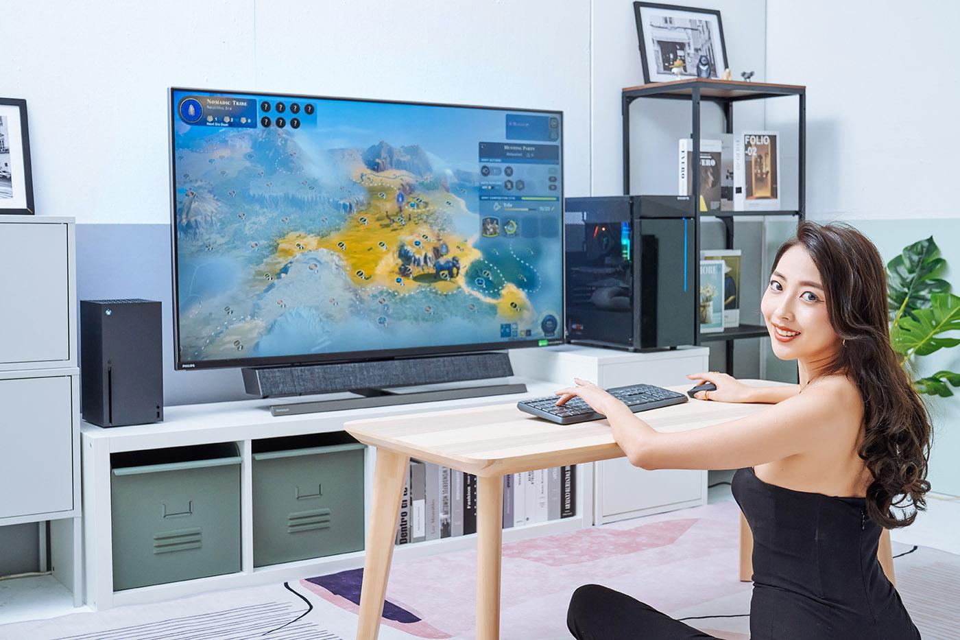 559M1RYV 連接 PC 主機的遊戲體驗也同樣優秀,4K 超細膩的影像效果,加上 144Hz 的畫面更新率,在移動畫面過程中,所有遊戲中的人物與物件都能保持清晰呈現,特別是主視角射擊遊戲時,要查找敵人的位置,或是辨識遠處的目標,也都變得更加容易。