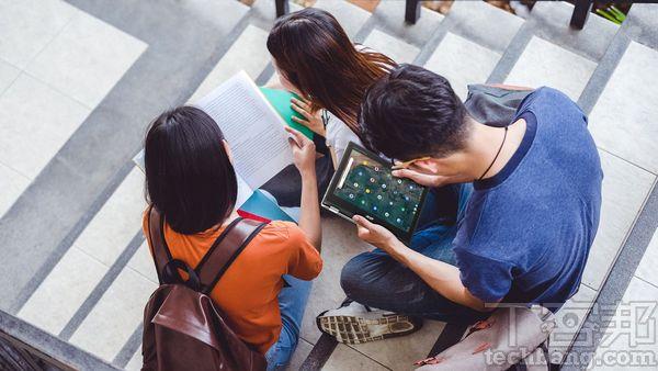 在國外 Chromebook 因為價格便宜的優勢,普遍應用在教育市場,不過也有不少企業會採購 Chromebook。